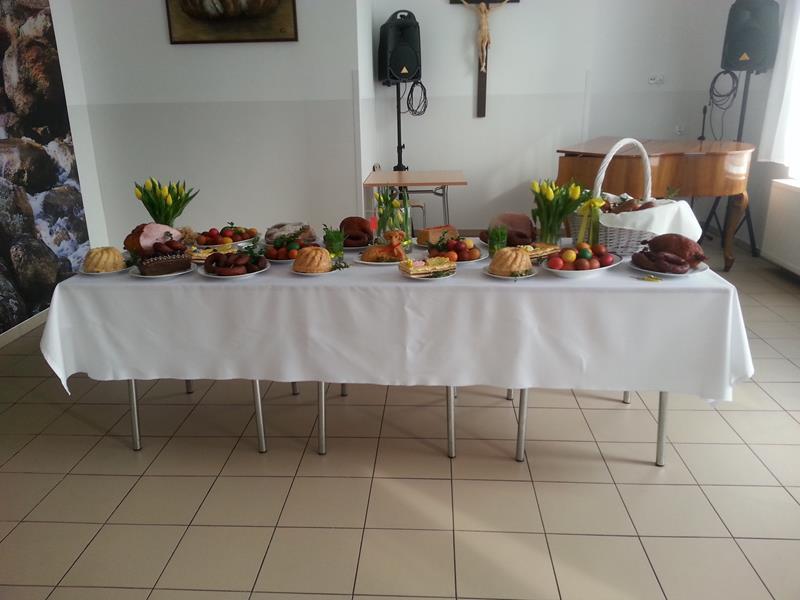 W Wielką Sobotę tradycyjnie odbyło się święcenie pokarmów.