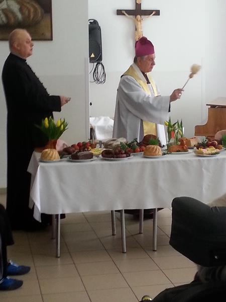 W Wielką Sobotę tradycyjnie odbyło się święcenie pokarmów.  (10)