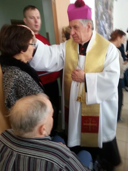 W Wielką Sobotę tradycyjnie odbyło się święcenie pokarmów.  (11)