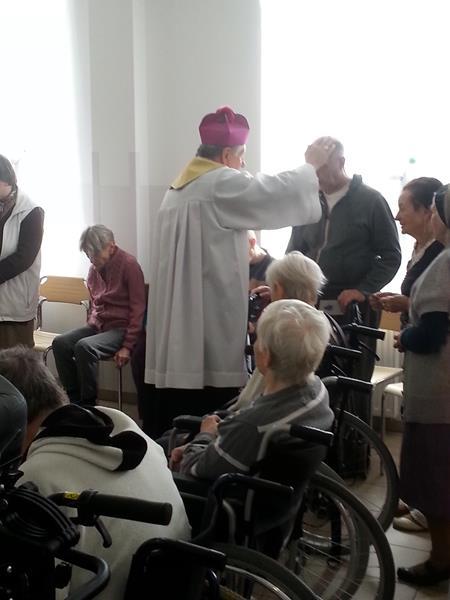 W Wielką Sobotę tradycyjnie odbyło się święcenie pokarmów.  (12)