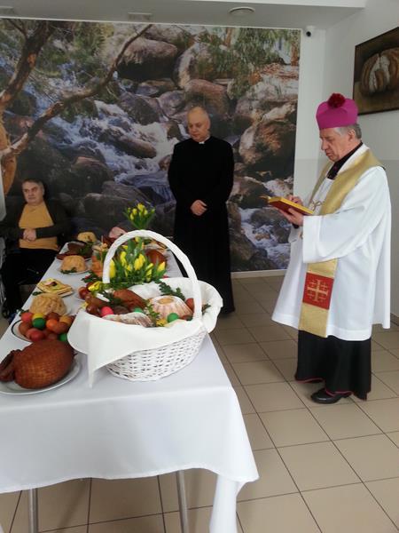 W Wielką Sobotę tradycyjnie odbyło się święcenie pokarmów.  (7)