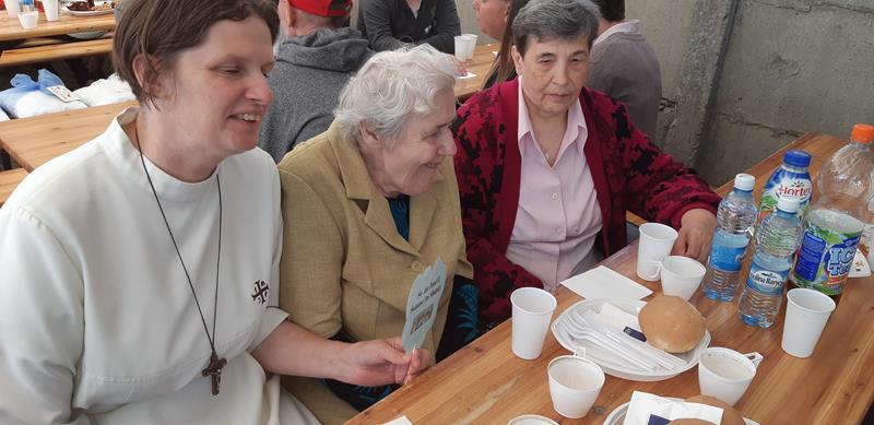 Mieszkańcy podczas imprezy integracyjnej w Moryniu