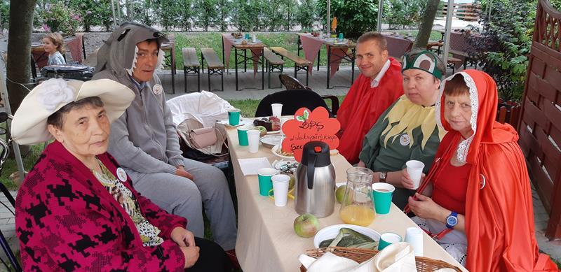 Pierwszy Integracyjny Festiwal Bajek w DPS przy ul. Romera (4)