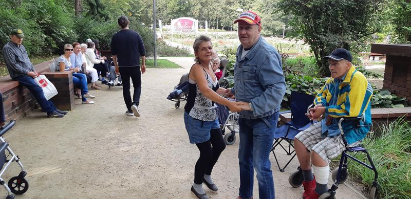 Integracyjny piknik z Mieszkańcami z DPS przy ul. Broniewskiego (36)