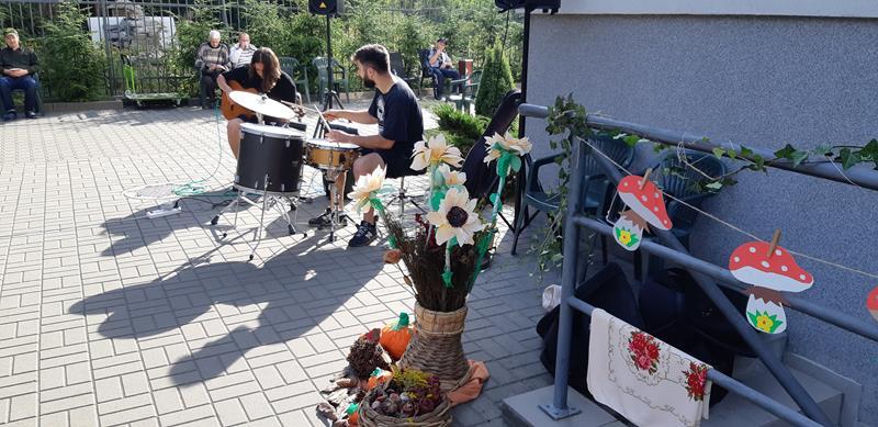 Mieszkańcy pożegnali lato w muzyczno-kulinarnej oprawie.  (16)