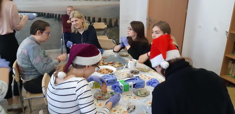 Dzień wolontariatu - wizyta młodzieży (17)