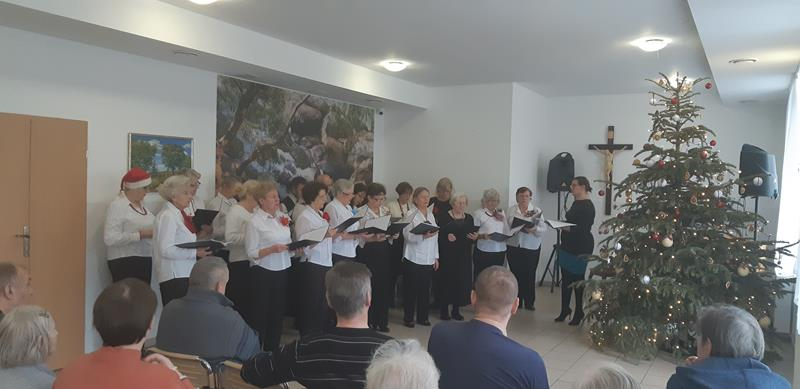Koncert chóru seniorów (7)